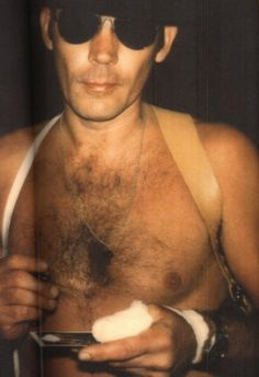 """""""Hunter S. Thompson takes a line of coke and looks good doing it"""""""