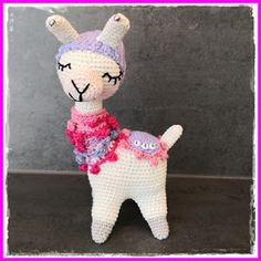 Tschi-Tschi: Crochet a small llama or alpaca - Instructions free of charge Homemade Stuffed Animals, Dinosaur Stuffed Animal, Crochet Patterns, Etsy Shop, Toys, Creative, Projects, Handmade, Crafts