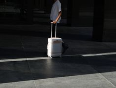 Floatti - The World's First Super Suitcase » Review