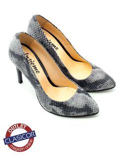 Pantofi stiletto din piele naturala, dama – 733 gri sarpe | Pantofi piele online / outlet incaltaminte piele | Clasicor Kitten Heels, Shoes, Fashion, Chic, Moda, Zapatos, Shoes Outlet, Fashion Styles, Shoe