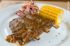 210 Diner (jantar) Baby back ribs com milho e cole-slaw