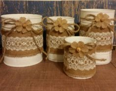 Items similar to Shabby Chic Rustic Burlap Laced White Tin Can Containers for Country Barn Wedding on Etsy Recycled Tin Cans, Recycled Crafts, Burlap Flowers, Burlap Lace, Soda Can Crafts, Crafts To Make, Aluminum Can Crafts, Jar Art, Shabby Chic Crafts