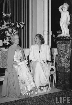 Famed interior decorator Lady Mendl (L), wife of Sir Charles Mendl, press attache to the British Embassy, clad in organza gown designed by Mainbocher as she chats w. movie star Mary Pickford during dinner/dance party she hosted at the British Embassy. Elsie De Wolfe, Mary Pickford, Villa, 20th Century Fashion, Aristocats, High Society, Lady, Movie Stars, Interior Decorating