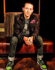 Beautiful Legend Chester Bennington ❤🤘 Your voice will always be home💙🎤🤘 Chester Bennington, Charles Bennington, Rap Metal, Linkin Park Chester, Mike Shinoda, Hot Hunks, Beautiful Songs, Rest In Peace, New Wave
