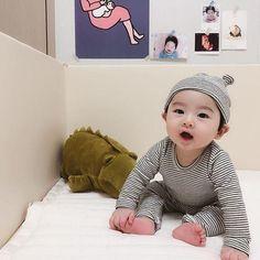 Cute Asian Babies, Korean Babies, Asian Kids, Cute Babies, Cute Baby Boy, Baby Boy Gifts, Cute Kids, Baby Kids, Baby Shower Gifts