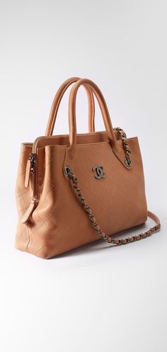 Petit sac shopping, veau grainé-camel - CHANEL