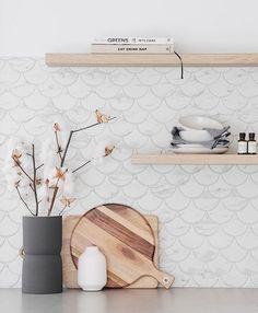 Coral Bay Carrara Look Matt Fish Scale Tile - Modern Kitchen Splashback Tiles, Splashback Ideas, Fish Scale Tile, Hamptons Kitchen, Feature Tiles, Grey Tiles, Fish Scales, Glass Kitchen, Reno