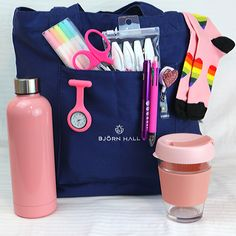 The best Nurse Survival Kit ever - ALL the Nurse essentials you will need! Nurse Scissor - A must have in every nurse scrub pocket. This Nurse Survival/Starter Kit is perfect for; A newly graduated nurse starting their New Grad. Nursing Survival Kit, School Survival Kits, Nursing Goals, Nursing School Notes, Nurses Week Gifts, Nurse Gifts, Nurse Work Bag, New Grad Nurse, Nurse Aesthetic