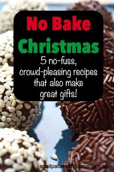 This list of no bake Christmas recipes require little to no baking skills. You could make the entire list in one afternoon. Homemade Christmas Treats, Christmas Cookies Gift, Christmas Food Gifts, Holiday Snacks, Christmas Sweets, Christmas Cooking, Christmas Goodies, Christmas Candy, Holiday Recipes