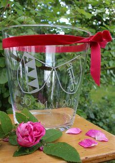 Zur Hochzeit ein Windglas mit eigenem Wappen