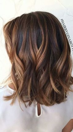 35 Short Chocolate Brown Hair Color Ideas to Try Right Now. #shorthairbalayage #chocolatebrownhair #brownhairbalayage