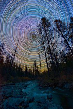 star trails by Evgeniy Zaytsev (via Fubiz)