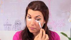 Ya muchas personas están totalmente conscientes de los beneficios del uso del bicarbonato de sodio para sus múltiples funciones, entre las que están su uso para el embellecimiento. En estos casos las chicas son las primeras en ponerse en la fila. El bicarbonato de sodio debajo de los ojos sirve para esas pequeñas bolsas que …