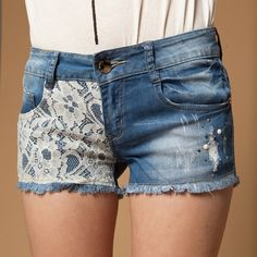 Lace shorts... want Some so bad!!