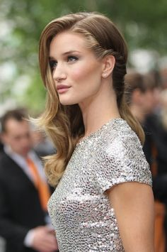 Red carpet hairstyle. One side hair twist - Rosie Huntington-Whiteley. Celebrity Hairstyle.