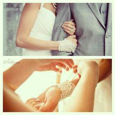 White lace fingerless wedding gloves #weddingphotography
