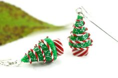 Weihnachten Ohrringe, Peppermint Candy Holiday Schmuck Miniatur Baum Folk skurrilen Hostess Neuheit nostalgische Winter festlich Lehrers Geschenk                                                                                                                                                                                 Mehr