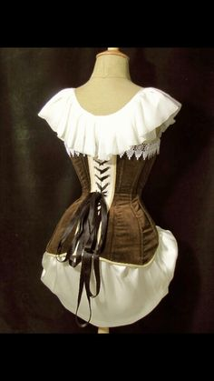Back view of the edwardian velvet corset made by me.