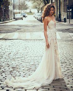 Laid back wedding dress ,boho wedding dress | itakeyou.co.uk #casualweddingdress #weddingdress #weddingdresses #simpleweddingdress #weddinggown #bridalgown #bohemian #casual #laidback
