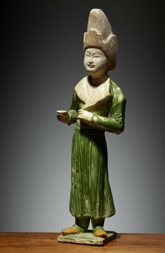 China Clay, China Art, Terracota, The Han Dynasty, Kitsch, Calming Colors, Clay Figurine, Chinese Ceramics, Central Asia