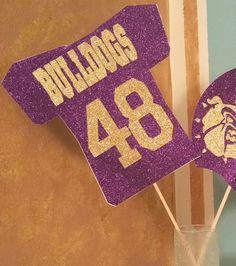 58 new Ideas for sport party favors bridal shower Football Centerpieces, Banquet Centerpieces, Stick Centerpieces, Centerpiece Decorations, Sports Party Favors, Birthday Party Favors, Sports Day Decoration, Homecoming Decorations, Homecoming Ideas