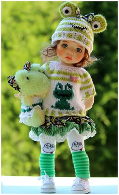 Spring Fun Frog Outfit with Shoes  for Meadowdolls Saffi by Barbara