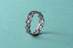 Items similar to Simply Hand Plaited Sterling Silver Ring on Etsy Guitar String Jewelry, Wire Jewelry, Jewelry Crafts, Jewelry Rings, Jewelery, Handmade Jewelry, Wire Earrings, Body Jewelry, Bijoux Fil Aluminium