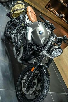 BMW cafe racer, great foto capture... s5o