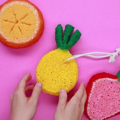 Fruit sponge soap pocket nifty creative home hacks diy, diy, Cute Crafts, Diy And Crafts, Crafts For Kids, Arts And Crafts, Cool Diy, Easy Diy, Craft Projects, Projects To Try, Idee Diy