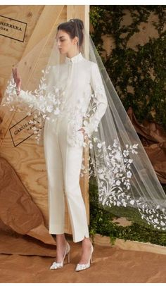 The newest Carolina Herrera wedding dresses have arrived! See what the latest Carolina Herrera bridal collection has to offer wedding dress shoppers. Spring 2017 Wedding Dresses, Wedding Dress Trends, Bridal Dresses, Spring Dresses, Wedding Ideas, Trendy Wedding, Tomboy Wedding Dress, Womens Wedding Suits, Bridal Veils