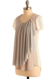 refashion possibly-nursing top inspiration? Sewing Blouses, Sewing Shirts, Fashion Sewing, Diy Fashion, Fashion Outfits, Diy Clothing, Refashioned Clothing, Shirts & Tops, Altering Clothes