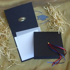 Graduation invitations and Announcements from InvitationPaper.com-Caps and Tassels