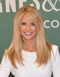 "Christie Brinkley Photos Photos - Christie Brinkley signs copies of ""Timeless Beauty: Over 100 Tips, Secrets, and Shortcuts To Looking Great"" at Barnes Christie Brinkley, Beauty Tips For Teens, Long Hair With Bangs, Long Layered Hair, Timeless Beauty, Hair Hacks, New Hair, Hair Inspiration, Blonde Hair"