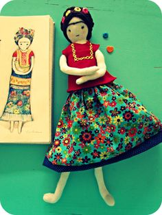 Anacardia's first doll, the link leads to an interview with the maker Softies, Plushies, Fabric Drawing, Frida Art, Mexican Designs, Small Sculptures, Doll Painting, Sewing Dolls, Mexican Art