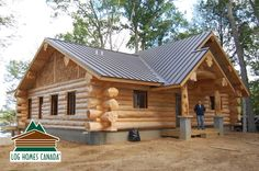 Sharing my obsessive love of rustic cabin life through photos and art I have collected. Small Log Homes, Small Log Cabin, Log Cabin Kits, Tiny House Cabin, Log Cabin Homes, Cozy Cabin, Cabin Plans, Cozy House, Log Cabins