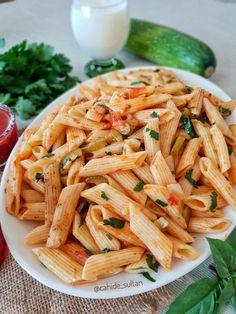 Kabaklı makarna   Cahide Sultan بِسْمِ اللهِ الرَّحْمنِ الرَّحِيمِ Macaroni Spaghetti, Pasta, Ethnic Recipes, Food, Sultan, Essen, Meals, Yemek, Eten