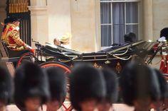 Su Majestad la Reina junto al Duque de Edimburgo llegan en un coche de caballos al Palacio de Buckingham    Palacio de Buckingham. Londres, 12.07.2017