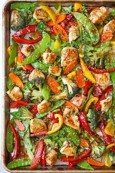 Pan Asian Stir Fry No fancy wok/skillet needed here for this sheet pan Asian stir fry recipe.No fancy wok/skillet needed here for this sheet pan Asian stir fry recipe. Low Cal Dinner, Keto Dinner, Asian Recipes, Healthy Recipes, Damn Delicious Recipes, Low Cal Chicken Recipes, Delicious Food, Easy Recipes, Stir Fry Recipes