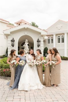 bridesmaids laugh with bride outside Nanina's in the Park | Planning a romantic fall wedding at Nanina's in the Park? Find inspiration here for a classic wedding day with touches of fall photographed by Idalia Photoraphy. #IdaliaPhotography #NJWedding #NaninasInTheParkWedding #FallWeddingInspiration Bridesmaids, Bridesmaid Dresses, Wedding Dresses, Wedding Photos, Wedding Day, Bridesmaid Getting Ready, Park Photography, Park Weddings, Floral