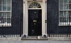 'May stapt niet op, werkt aan nieuwe regering'
