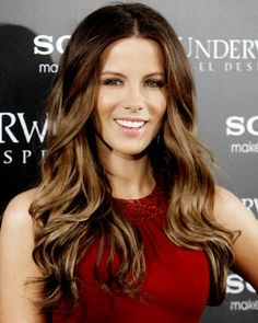 Stunning hairstyles celebrities such Adams Fisher Island golden-highlights2.j