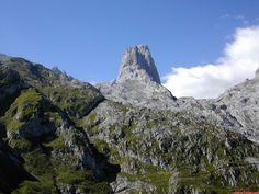 """Naranjo de Bulnes (The """"Urriellu""""). Central Massif of the Picos de Europa in Asturias. Spain"""