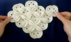 This Pin was discovered by Nev Crochet Stitches Patterns, Crochet Designs, Baby Patterns, Knitting Patterns, Baby Afghan Crochet, Crochet Motif, Crochet Flowers, Crochet Videos, Baby Knitting