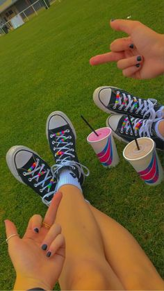Aesthetic Shoes, Aesthetic Indie, Indie Outfits, Retro Outfits, Pretty Shoes, Cute Shoes, Indie Photography, Hello Kitty My Melody, Estilo Indie