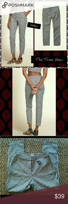 """HOLLISTER GINGHAM CAPRI PANTS SIZE 5 & 3 available HOLLISTER? NWT? BLACK AND WHITE? SIZE 5?& 3 available  Skinny ankle pant black and white gingham pattern and front pockets. Stretch!?  APPROXIMATE GARMENT MEASUREMENTS?  *Waist 27""""? for size 3 Length Inseam 26""""?  *Waist 29 for size 5 Length 26"""" inseam  98% COTTON? 2% ELASTANE?  Sorry no trades XOXO Alice Hollister Pants Capris"""