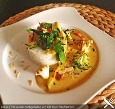 Thai Curry Erdnuss-Kokos-Hühnchen Thai curry peanut – coconut – chicken, a great recipe from the category poultry. Avocado Dessert, Chef Recipes, Great Recipes, Healthy Recipes, Avocado Recipes, Indian Food Recipes, Asian Recipes, Homemade Curry Powder, Avocado Toast