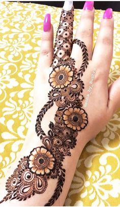 Hi everyone , welcome to worlds best mehndi and fashion channel Zainy Art . Hope You guys are liking my daily update of Mehndi Designs for Hands & Legs Nail . Khafif Mehndi Design, Rose Mehndi Designs, Back Hand Mehndi Designs, Henna Art Designs, Mehndi Designs For Beginners, Mehndi Designs For Girls, Modern Mehndi Designs, Mehndi Design Photos, Mehndi Designs For Fingers