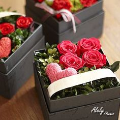 19 Ideas for flowers box roses Flower Box Gift, Flower Boxes, My Flower, Deco Floral, Arte Floral, Floral Design, Estilo Floral, Valentines Flowers, Valentine Nails