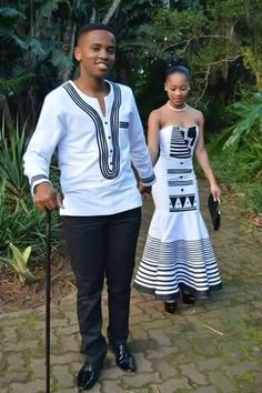 A very poor newly wedded young couple lived in a small farm. One day the husband. African Shirts, African Wear, African Attire, African Women, African Dress, African Traditional Dresses, Traditional Outfits, Traditional Wedding, African Print Fashion
