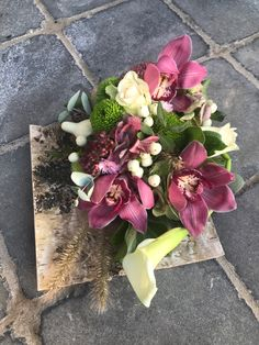 #allerheiligen #bloemschikken #flowerarranging #orchids #grafwerk Floral Wreath, Wreaths, Home Decor, Floral Crown, Decoration Home, Door Wreaths, Room Decor, Deco Mesh Wreaths, Home Interior Design